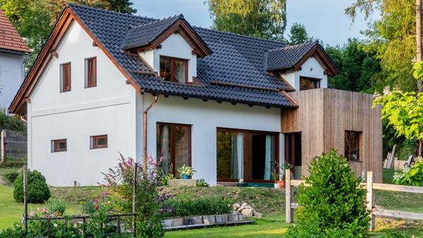 Tondach Románská 12, nízkoenergetická dřevostavba Křemže